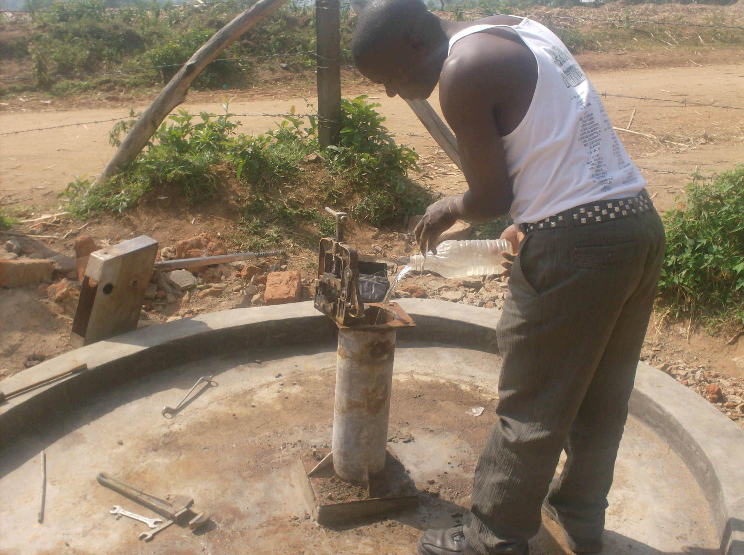The Water Project : eshiyenga-primary-school-well-chlorination