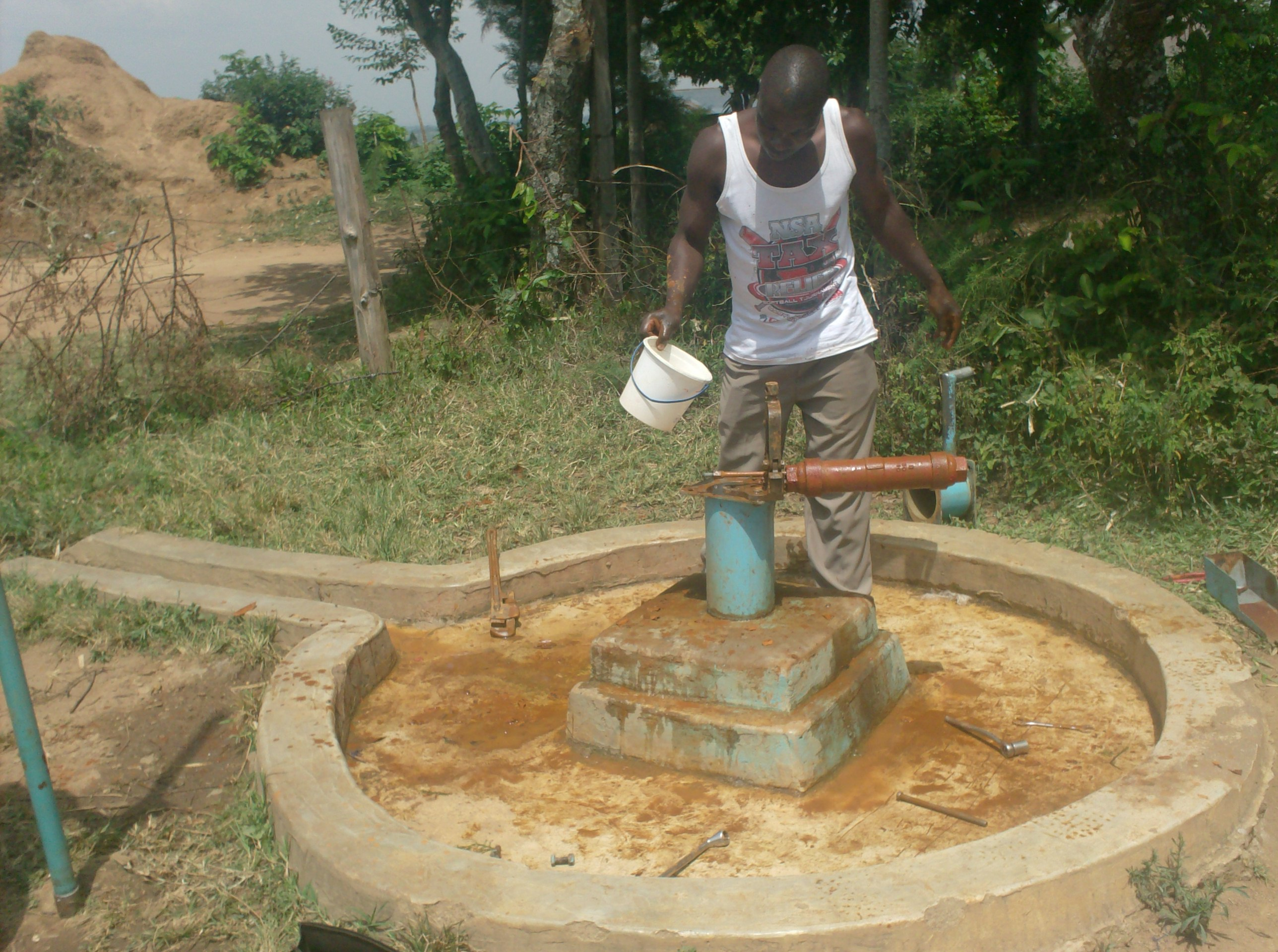 The Water Project : vashele-primary-school-well-chlorination-after-rehab