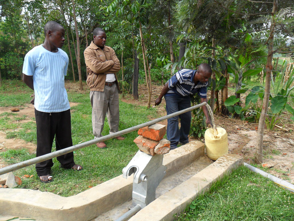 The Water Project : test-pumping-on-progress-at-emulundu-community