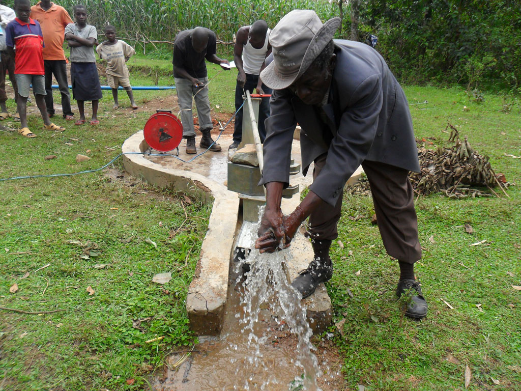 The Water Project : test-pumping-on-progress-shamakhubu