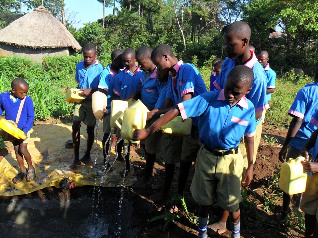 The Water Project : pupils-participation-in-preparation-of-drilling-2