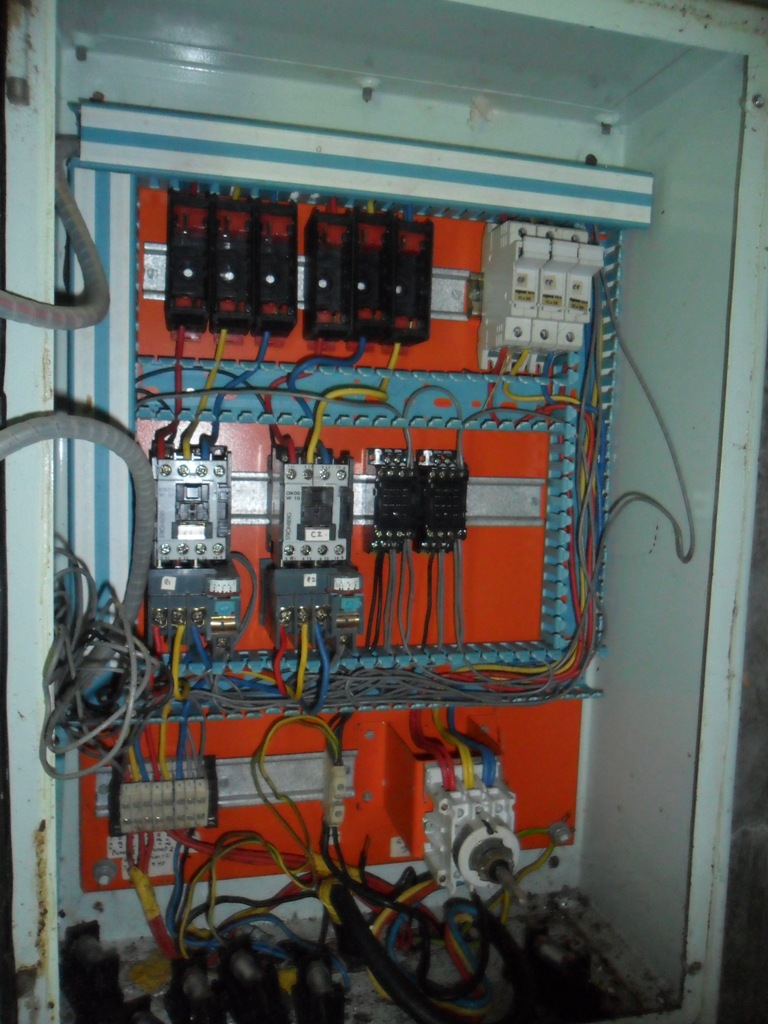 The Water Project : control-panel-for-the-submassible-pump