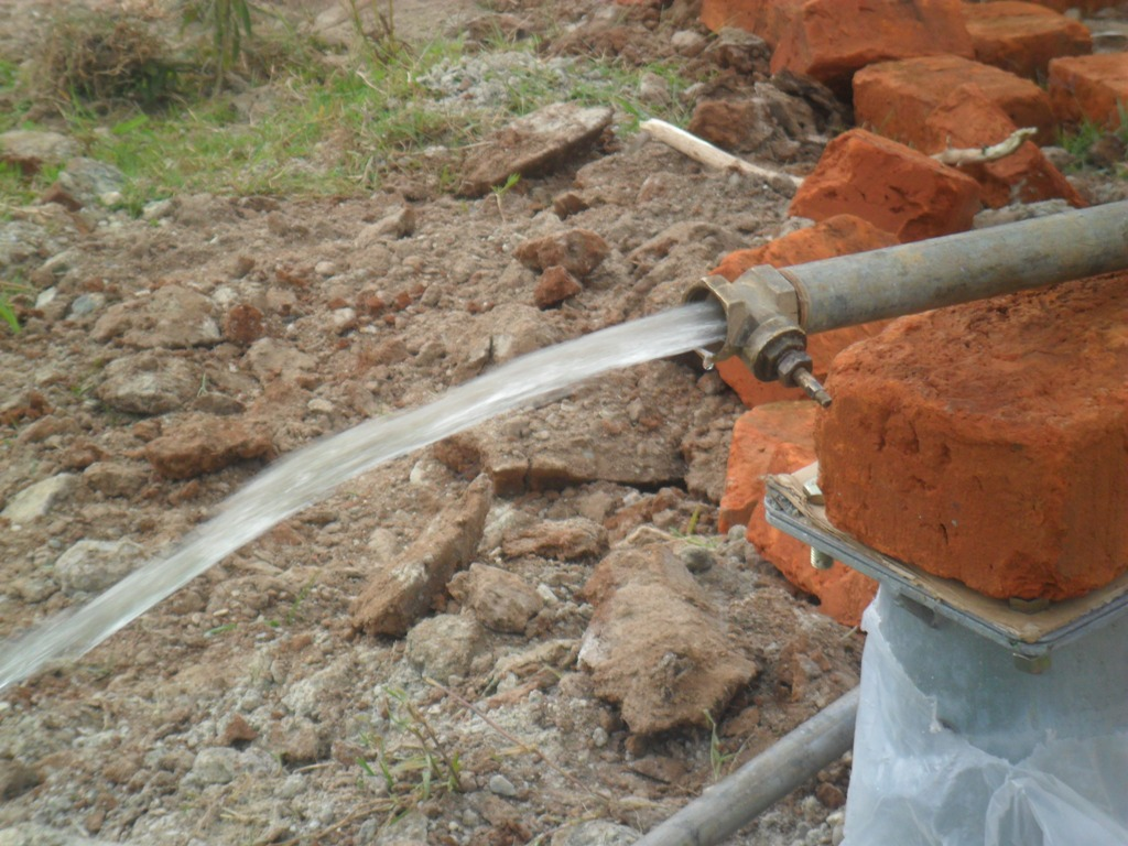 The Water Project : testpumping-hafoland-primary-school-2