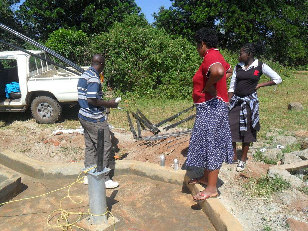 The Water Project : hofaland-pump-installation-4