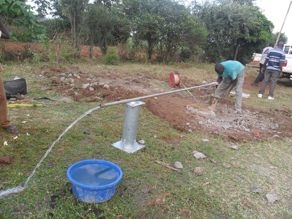 The Water Project : test-pumping-musembe-market-4
