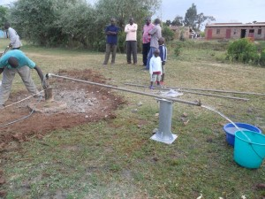 The Water Project : test-pumping-musembe-market-2