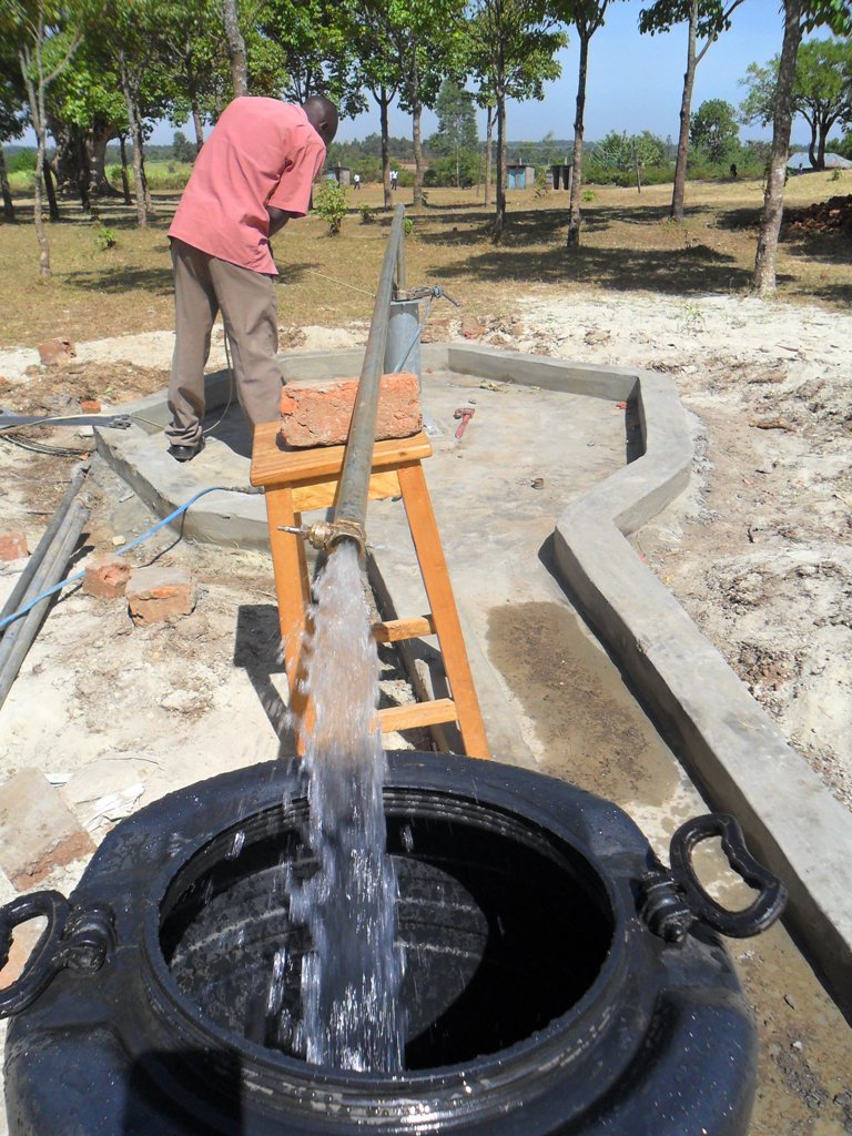 The Water Project : test-pumping-lwanda-k-secondary-2