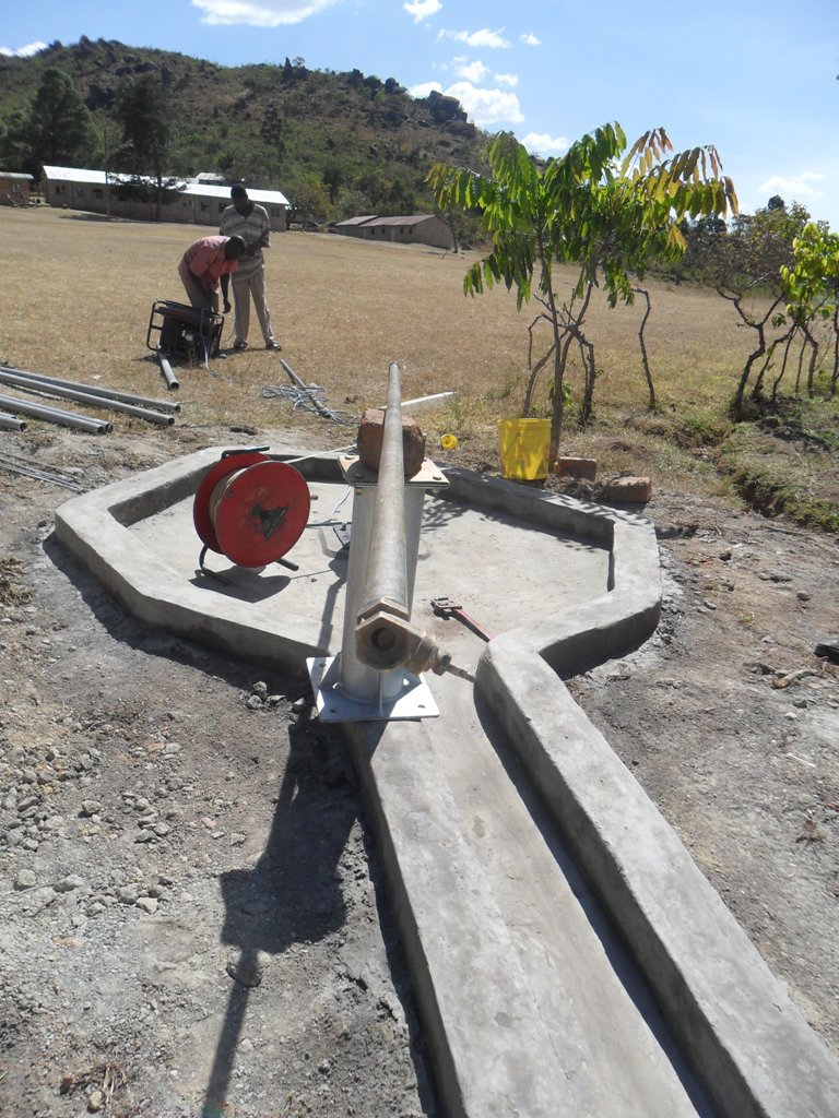 The Water Project : test-pumping-magale-secondary-6