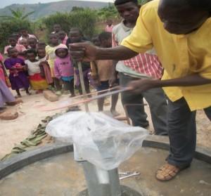 The Water Project : rwabaraata-uganda-6012_page_08_image_0002