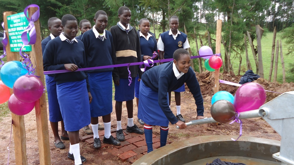 The Water Project : st-patricks-chemnoet-handing-over-9-2