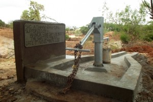 The Water Project : athiani-farmers-shg_shallow-well_november-2012-3
