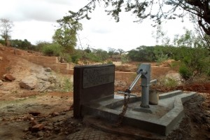 The Water Project : athiani-farmers-shg_shallow-well_november-2012-9