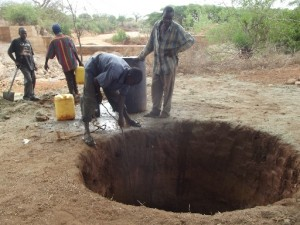 The Water Project : athiani-farmers-shg_shallow-well_october-2012-6