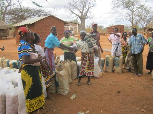The Water Project : ithime-shg_seed-distribution_october-2012-1-2