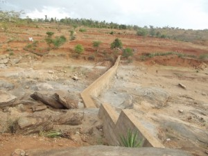 The Water Project : kyeni-kya-thwake-shg_sand-dam-12023-dlp_october-2012-1