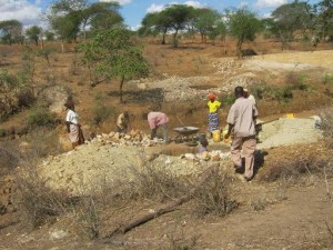 The Water Project : vinya-wa-kyangwasi-shg_shallow-well_october-2012-1-2