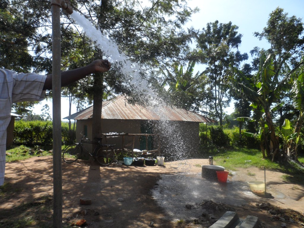 The Water Project : a-c-k-makunga-test-pumping-4-2