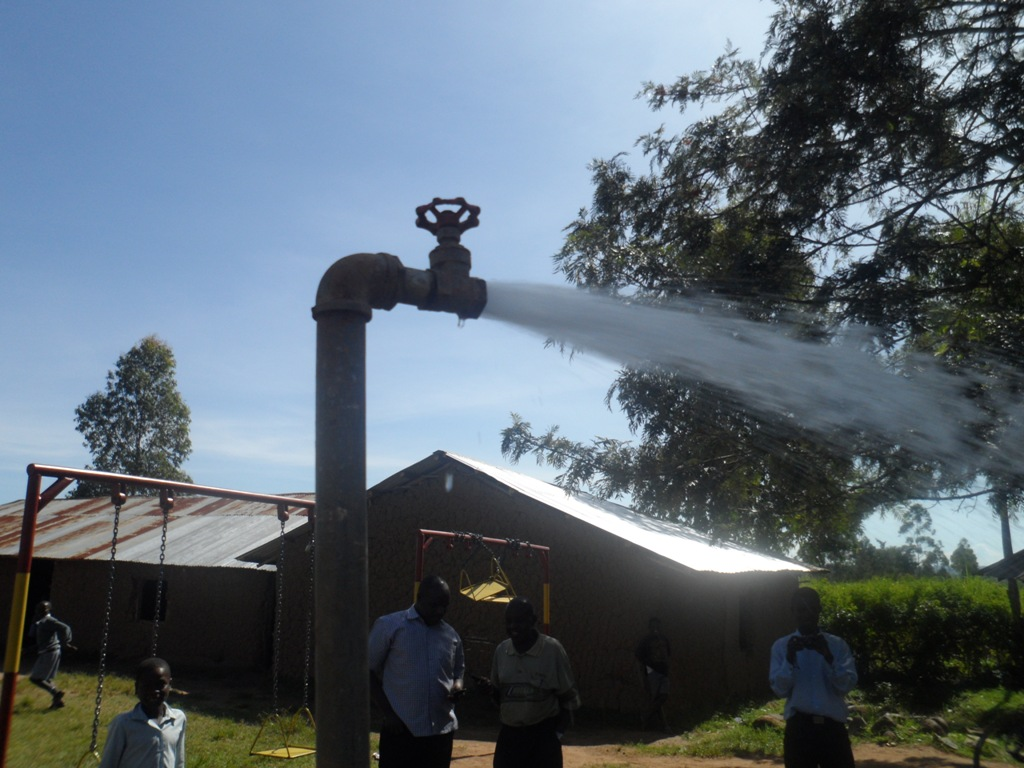 The Water Project : a-c-k-makunga-test-pumping-6-2