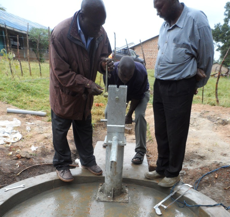 The Water Project : kenya4133_pump-installation_1