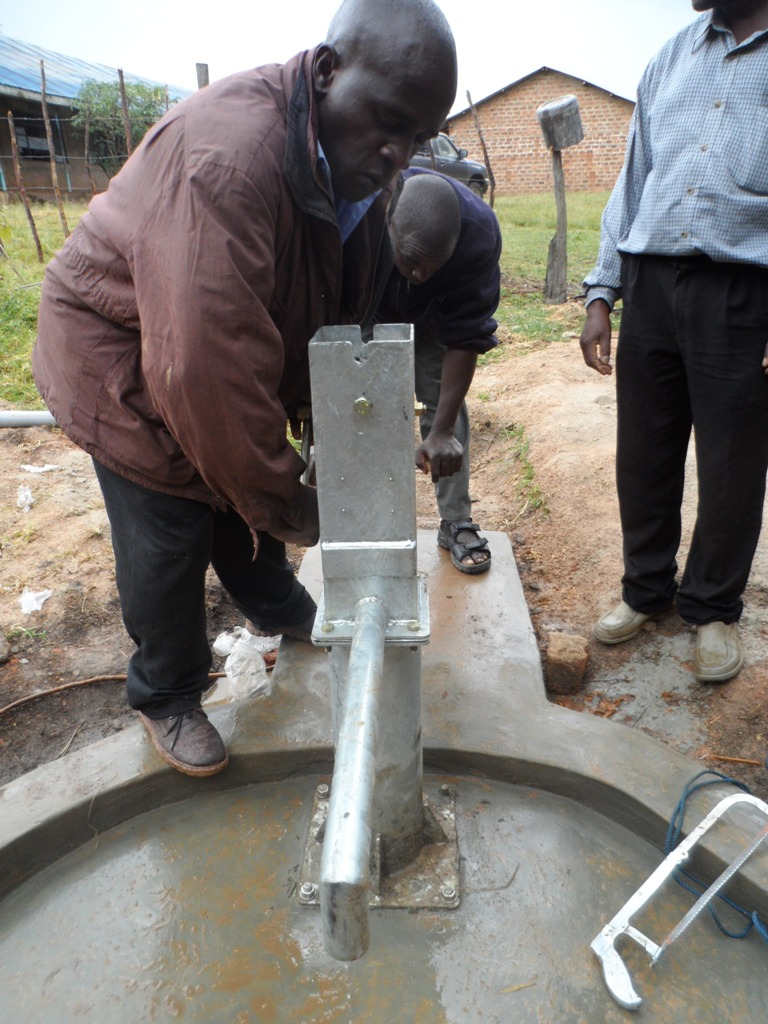 The Water Project : kenya4133_pump-installation_2