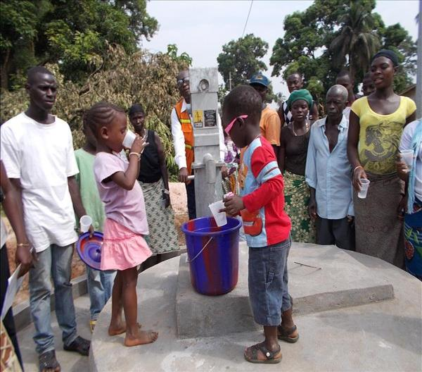 The Water Project : sierraleone597_page_6_image_0002-3