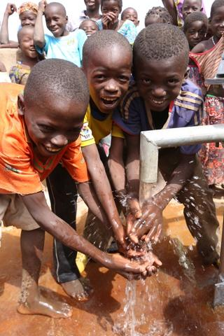 The Water Project : burkinafaso9031_page_6_image_0003-3