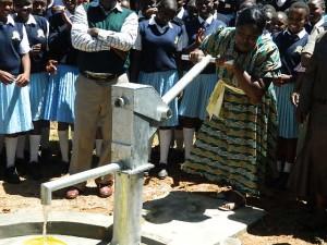 The Water Project : kenya4134_handing-over_18