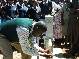 The Water Project : kenya4134_handing-over_19