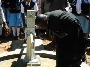 The Water Project : kenya4134_handing-over_6