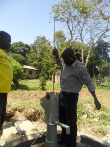 The Water Project : kenya4151_pump-installation_1