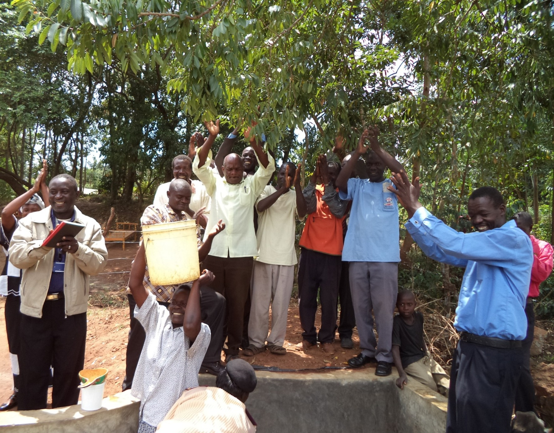 The Water Project : kenya4121_handover