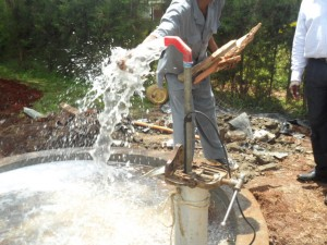The Water Project : kenya4156_test-pumping-3