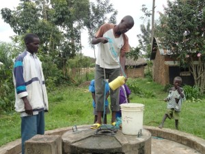The Water Project : kenya4148-kimatuni-kimaeti-4