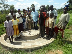 The Water Project : kenya4192_community-members-2