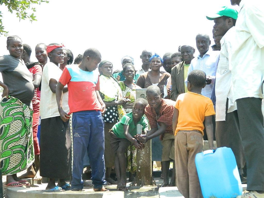The Water Project : kenya4197-handing-over-3