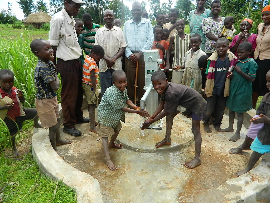 The Water Project : kenya4191-handing-over-5