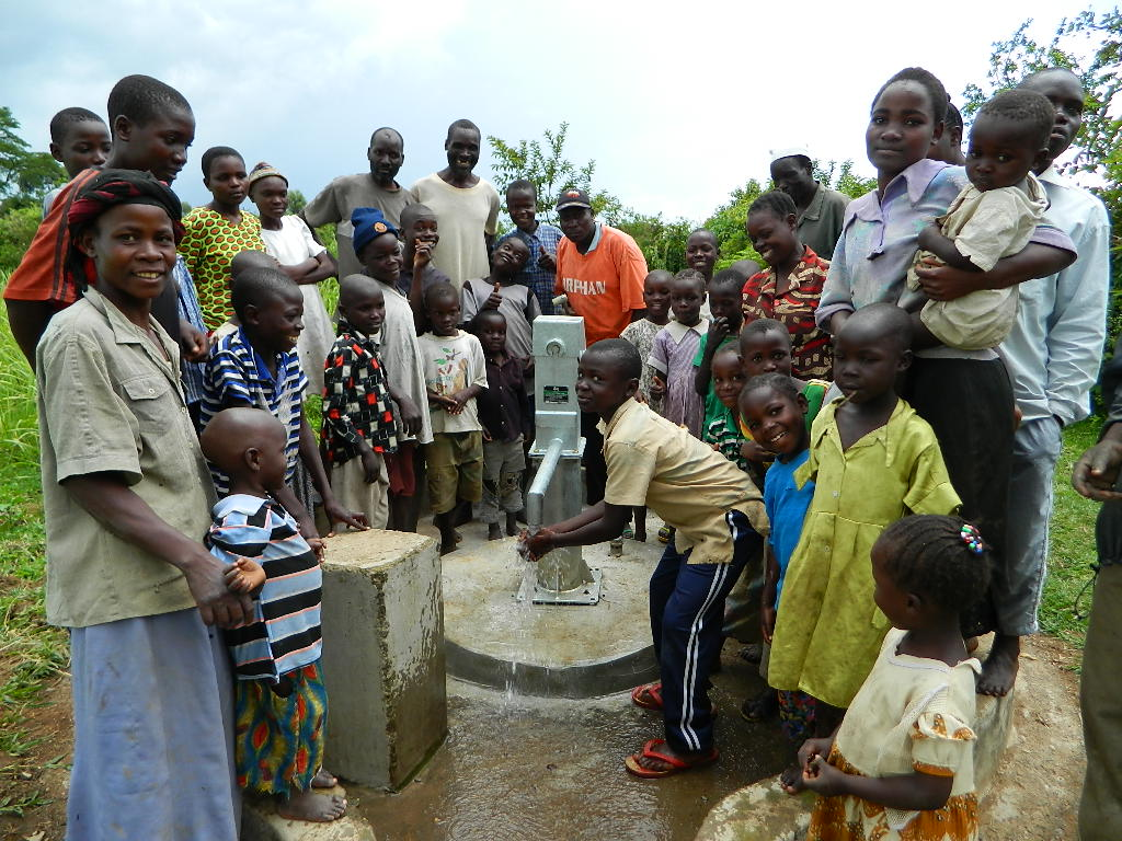 The Water Project : kenya4192-handing-over-4