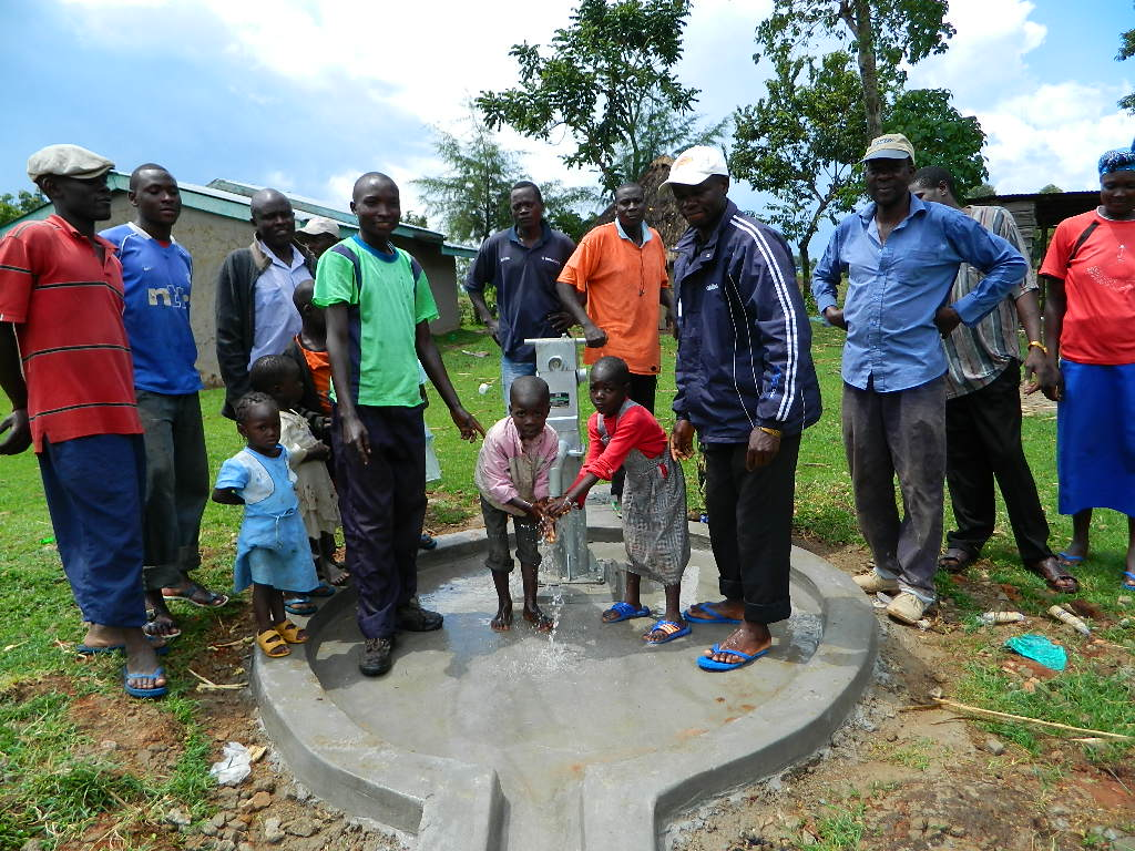 The Water Project : kenya4193-handing-over
