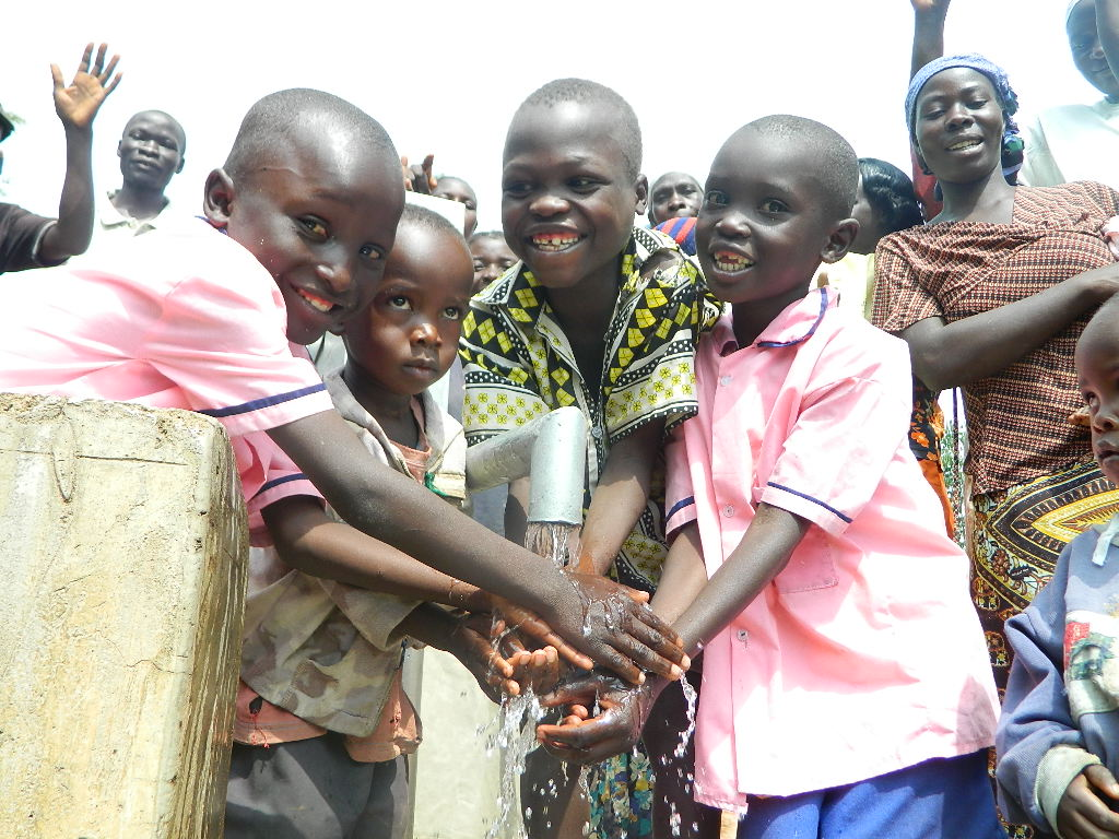 The Water Project : kenya4203-happy-faces-of-children
