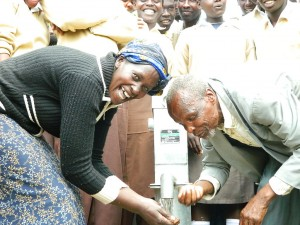 The Water Project : kenya4204-handing-over