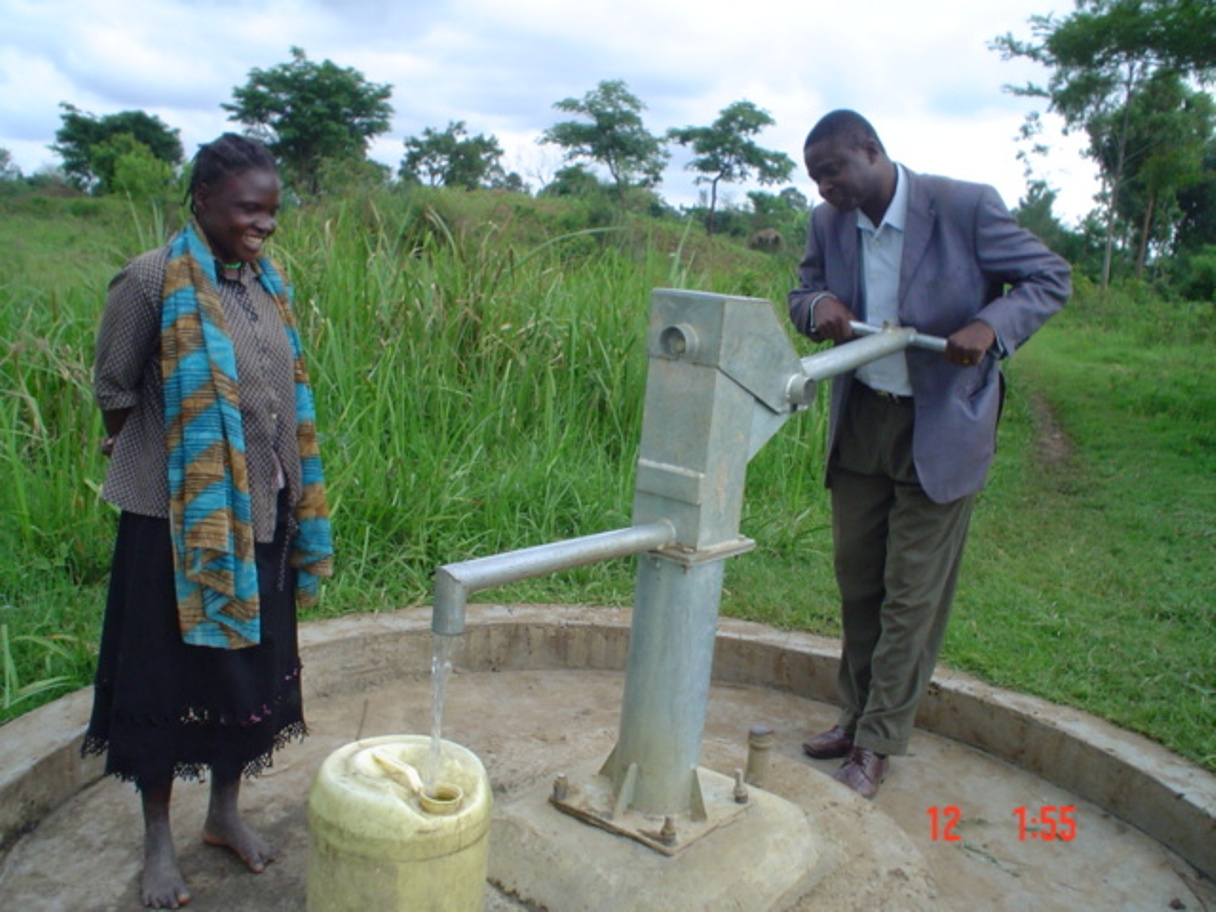The Water Project : kenya4136-kimaeti-lurende-borehole-6
