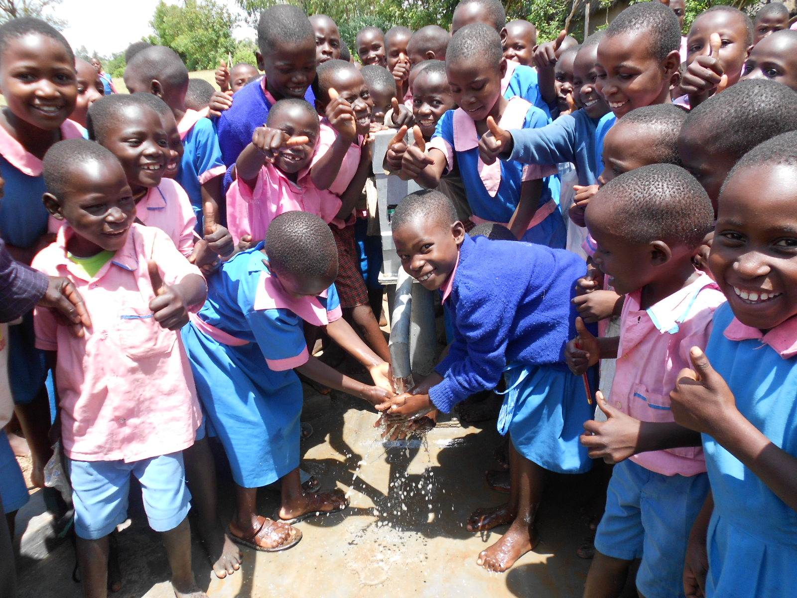 The Water Project : kenya4162-handing-over-4