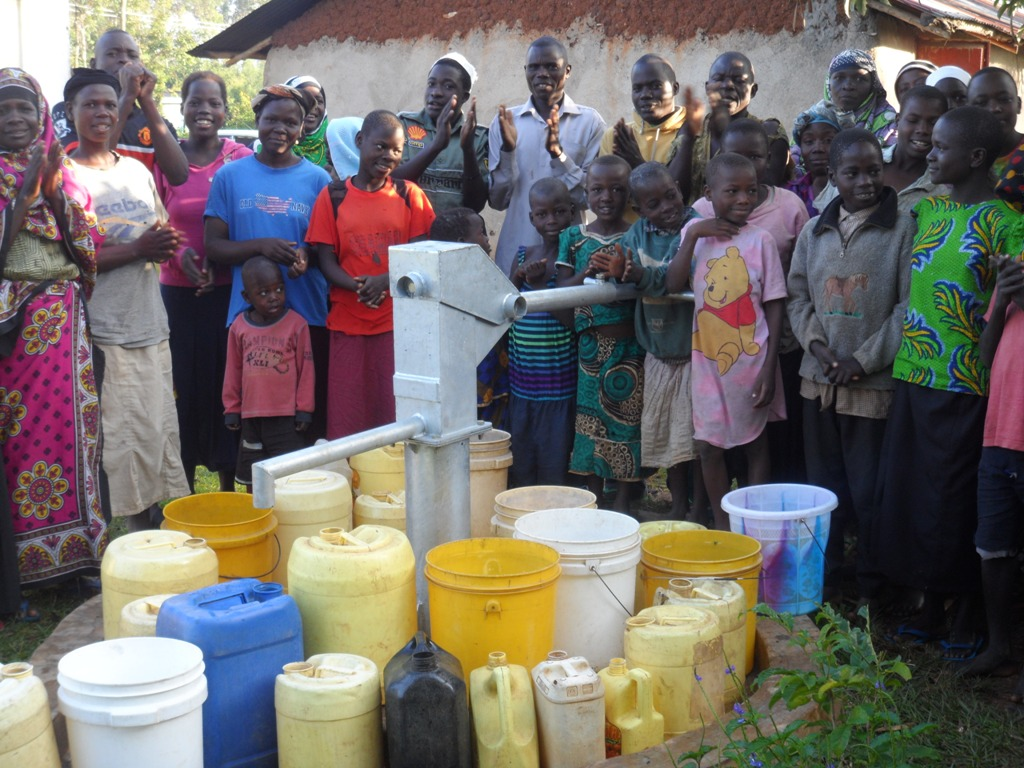 The Water Project : kenya4206-handing-over-2