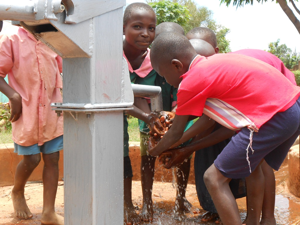 The Water Project : kenya4206-handing-over