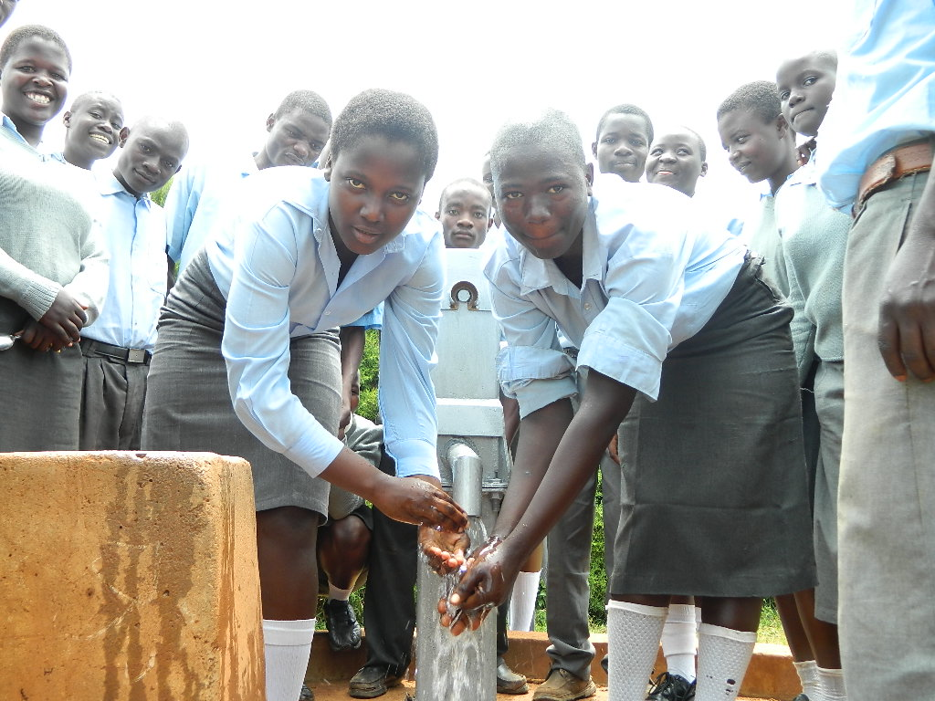 The Water Project : kenya4209-handing-over