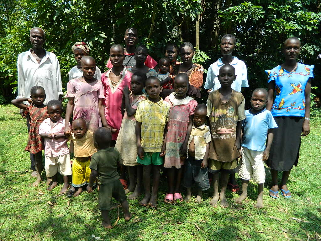 The Water Project : kenya4210-community-3
