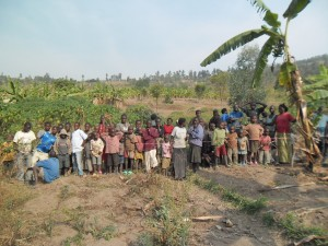The Water Project : rwanda3066-community