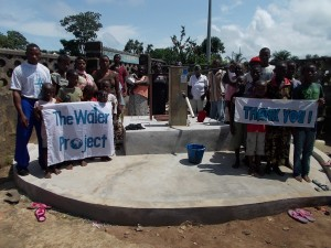 The Water Project : sierraleone5046_03