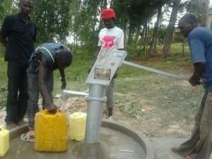 The Water Project : rwanda3075_15
