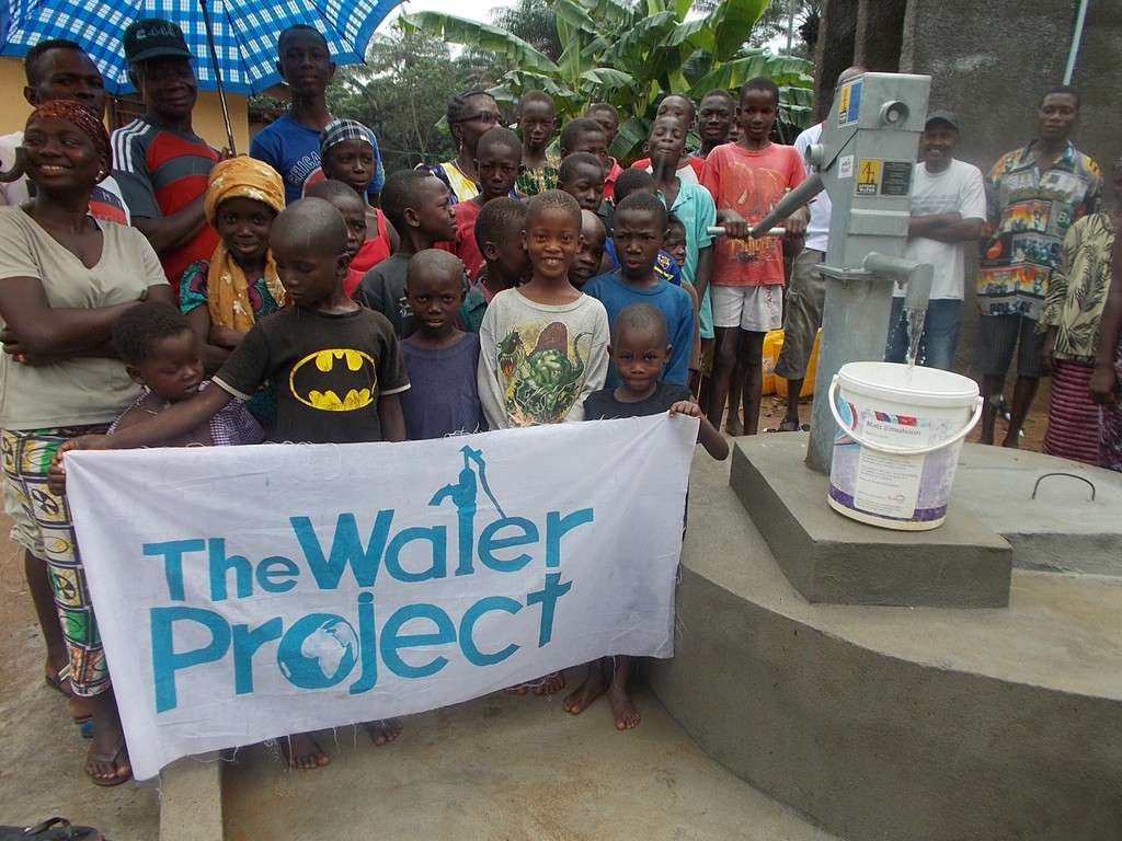 The Water Project : sierraleone5047_08
